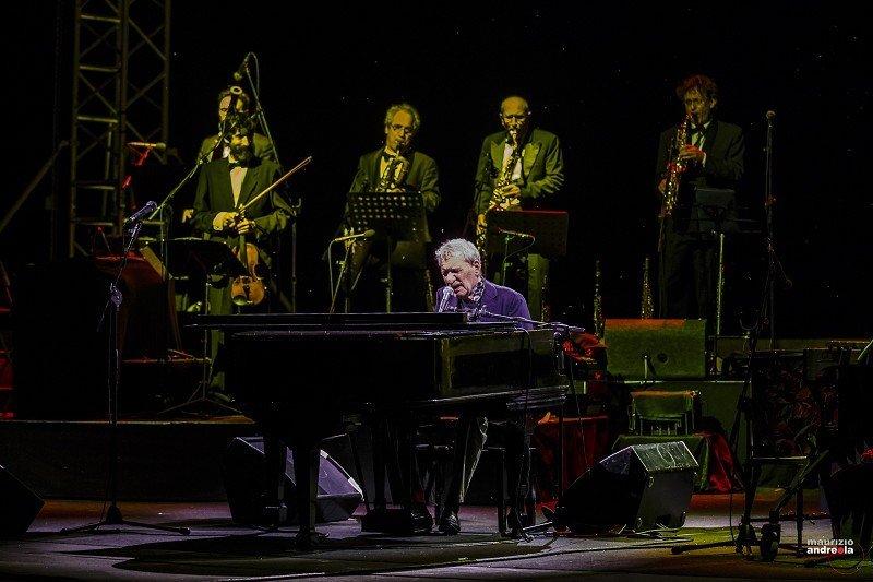 Un intenso momento del concerto di Paolo Conte