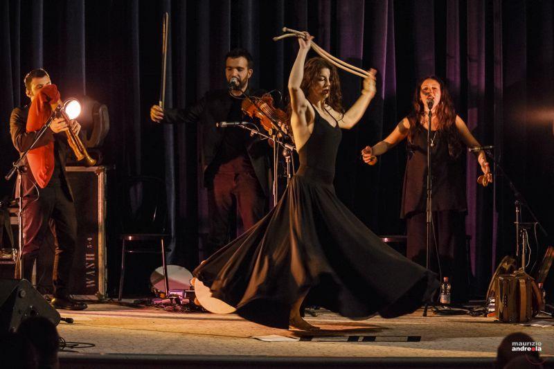 Taranta e passione del Canzoniere (foto M.Andreola)