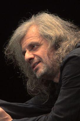 Urge, il film di e con Alessandro Bergonzoni